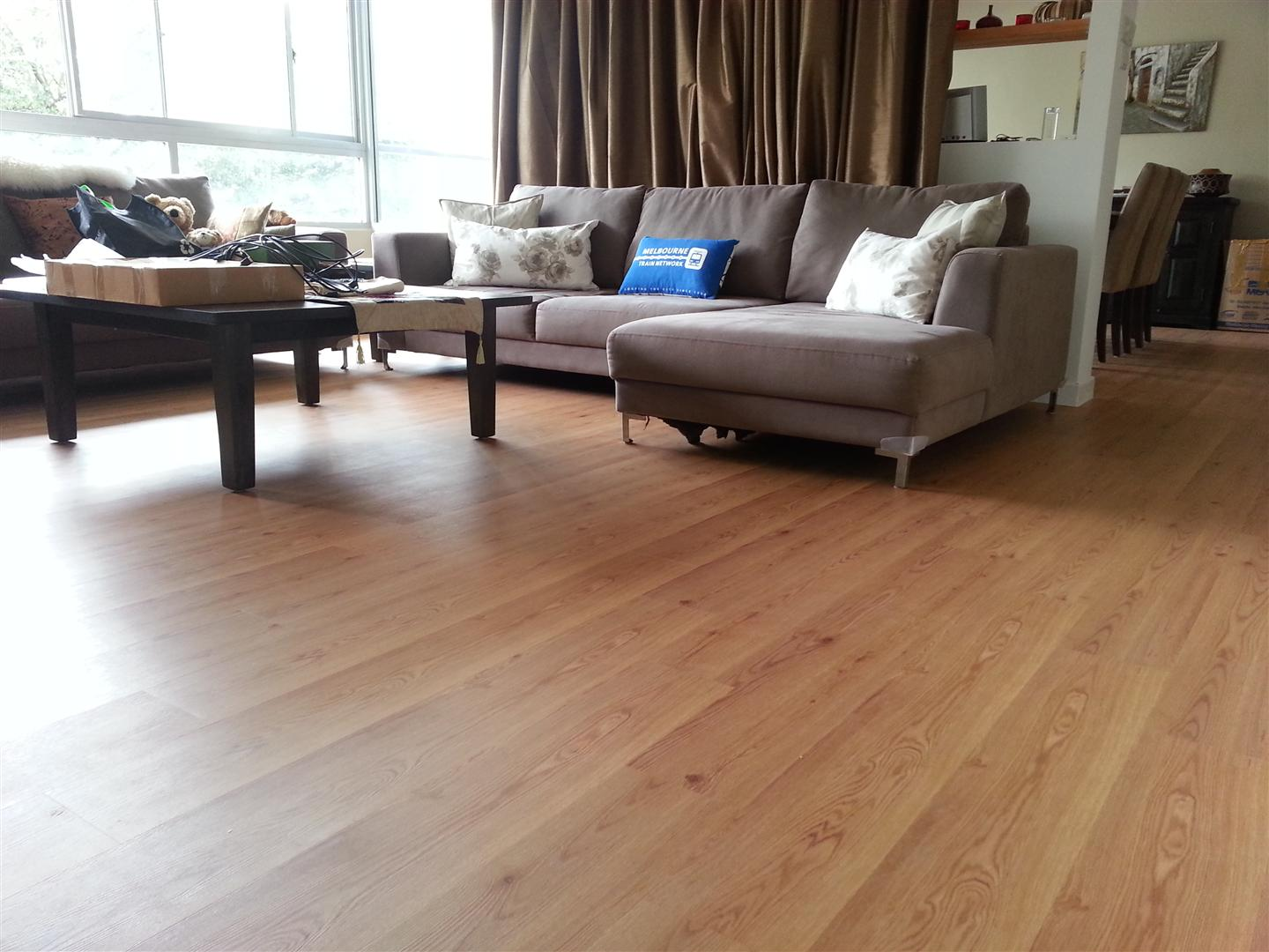 Living Room With Laminate Floor Part 85