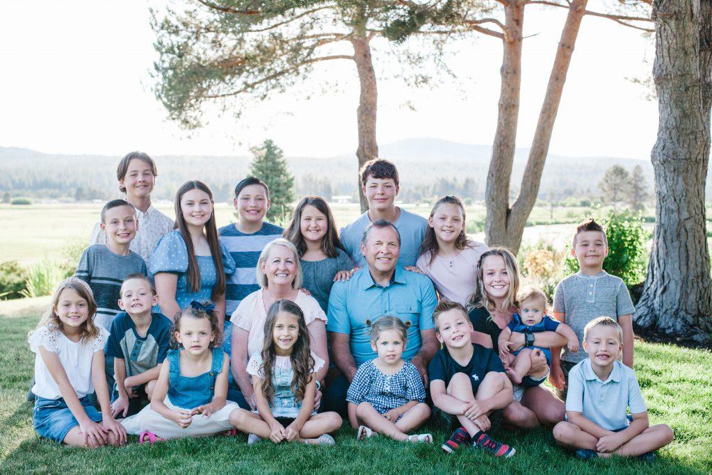 Brian & Pam Nielsen with grandkids